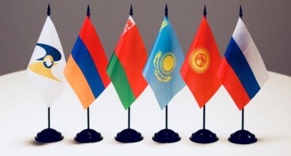 Представители ЕАЭС раскритиковали закон о предустановке российского ПО