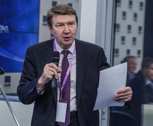 Российские разработчики попросили у властей налоговых льгот и конца инсорса