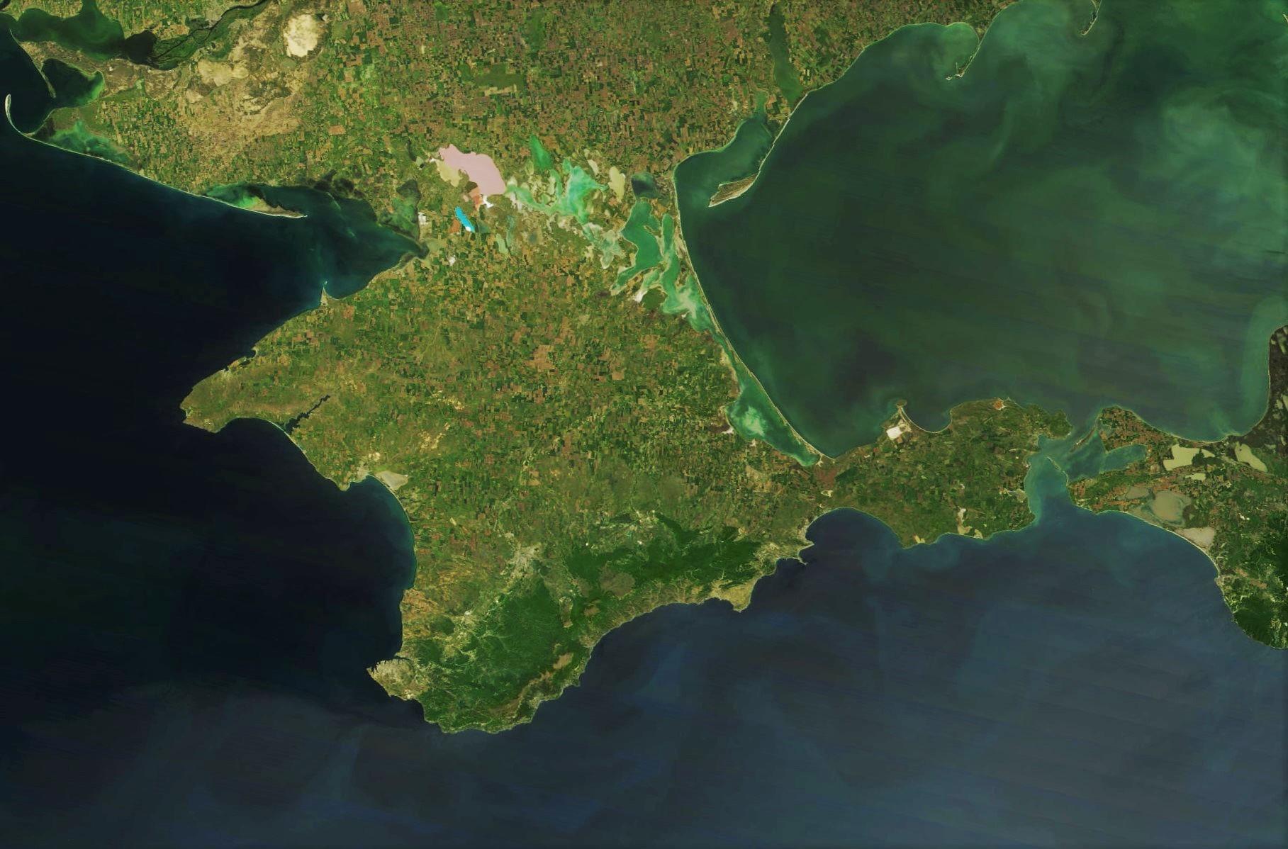 Оператор Севастополя покидает Крым перед приходом компании «Ростелекома»