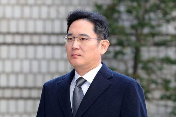 Главе Samsung Group предъявили обвинения по делу о слиянии корпораций