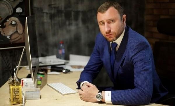 ФСБ арестовала ИТ-советника Госдумы, когда он выманивал $3 млн у подследственного главы НКК