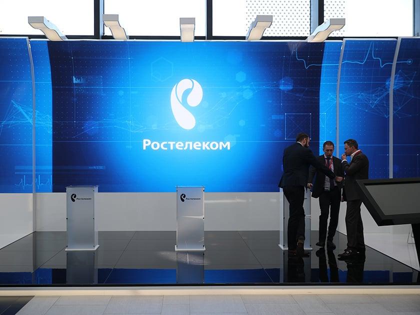 Власти заставили «Ростелеком» заново закупать 350 тыс. планшетов с отечественной ОС