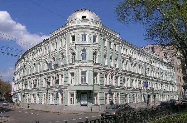 ИТ-институту «Ростеха» придется выплатить за приобретенную им в 2016 г. компьютерную технику около 100 млн руб.