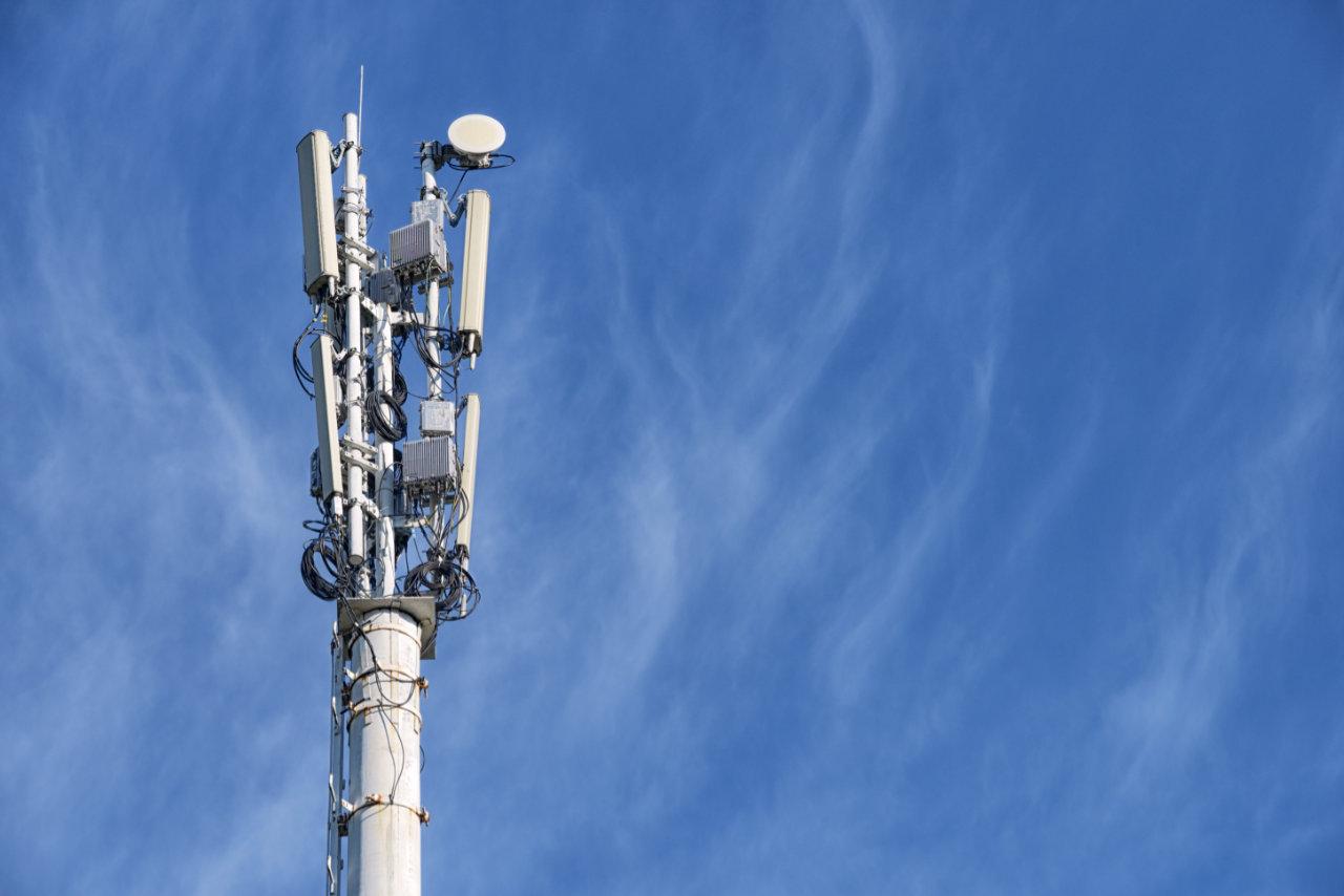 Операторы связи вредят экологии сильнее, чем авиакомпании