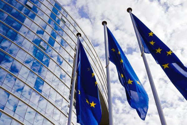 ЕС оштрафовалоAsus, Philips, и Pioneer за завышение цен и шантаж магазинов