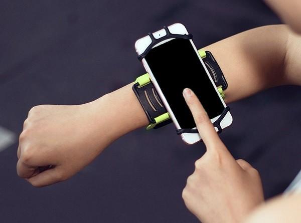 Аерофлот закупил сотни напульсных Android-смартфонов с интеграцией с SAP