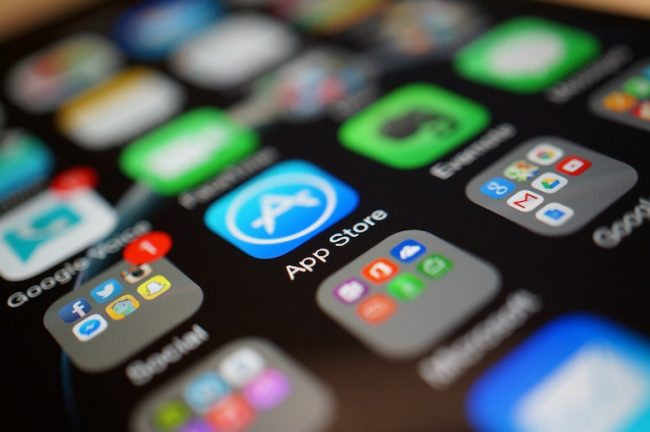 Минцифры расширит список приложений для обязательной установки на смартфоны