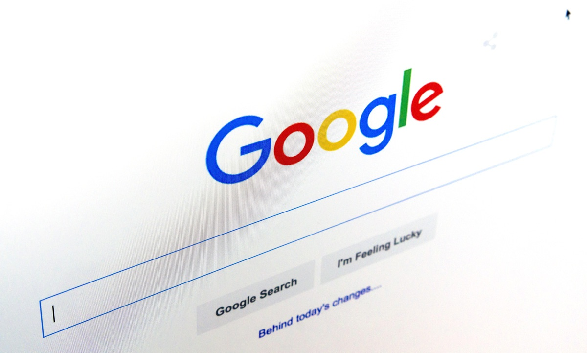 Германия хочет приравнять Google и Facebook к операторам связи на законодательном уровне