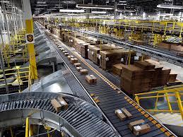 Amazon примет на работу 100 тысяч человек из-за роста интернет-заказов