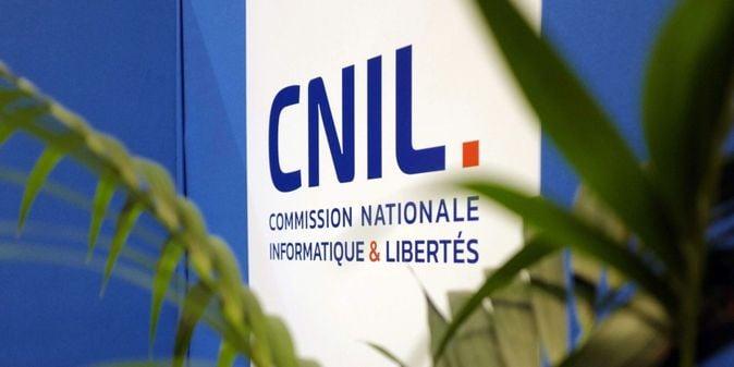 Франция оштрафовала Google и Amazon на 135 млн евро