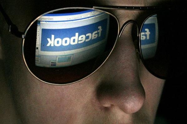 Facebook начнет помечать подконтрольные государству СМИ