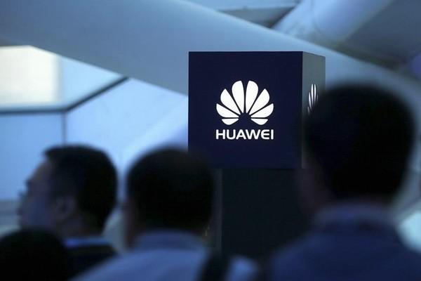 Huawei ждёт обвала в продажах смартфонов