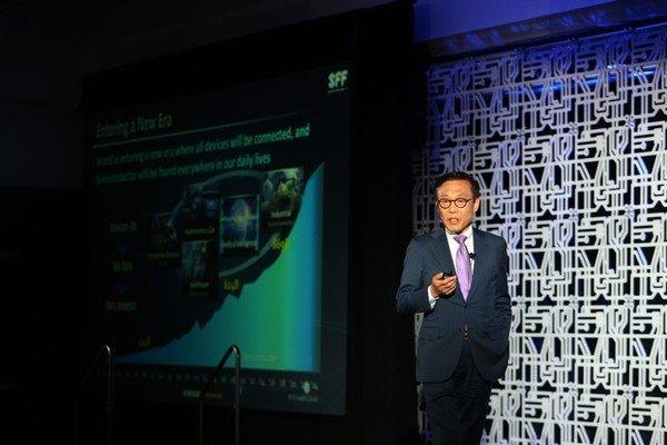Samsung: продажи смартфонов снизятся, но рынок микросхем памяти должен восстановиться