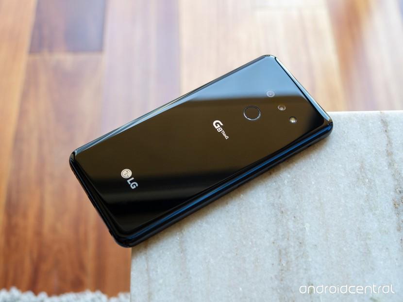 LG почти прекратила поставки смартфонов в Россию