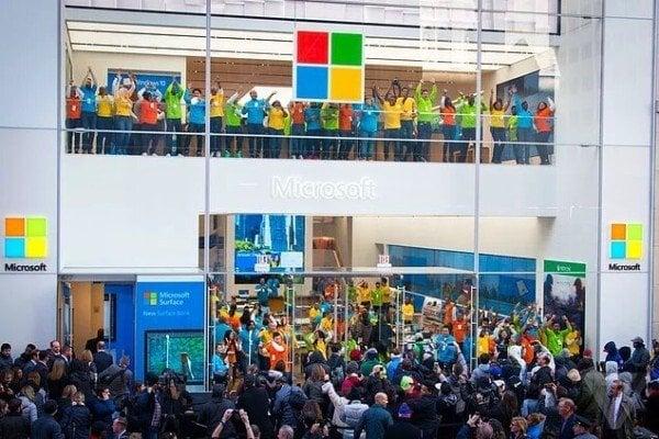 Microsoft закрывает все розничные магазины
