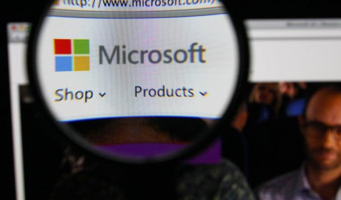 Microsoft обвинили в злоупотреблении на рынке подержанных версий ПО