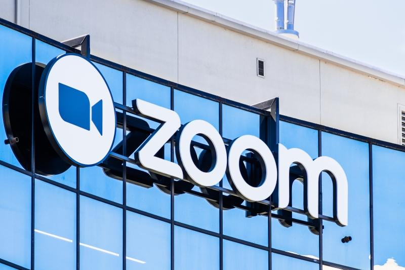 Zoom запретил пользоваться видеозвонками российским властям и госкомпаниям