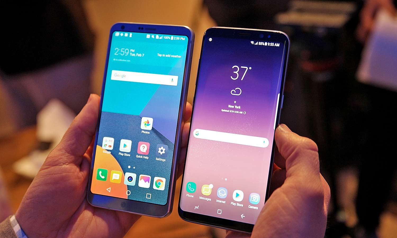 Россияне стали чаще покупать смартфоны сбольшим экраном