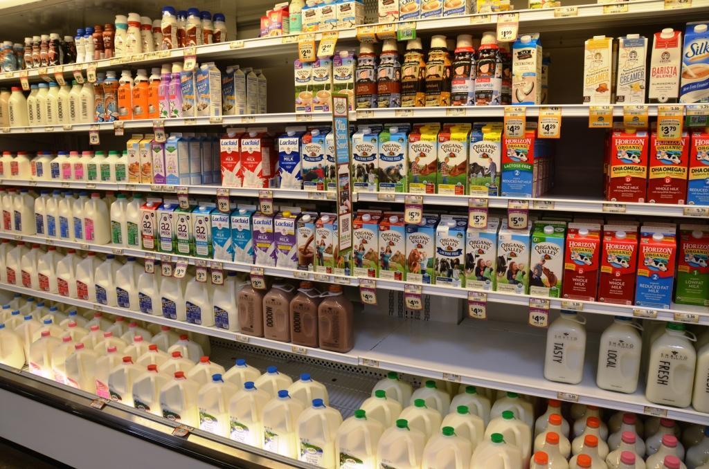 Власти ввели электронные сертификаты на молочную продукцию
