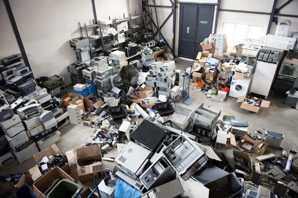 Минприроды намерено ввести 100%-ную утилизацию товаров иупаковки. Цены вырастут