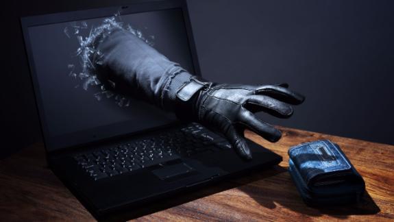 Исследование кибербезопаности: две трети российских банков позволяют украсть деньги клиента, перевыпустив SIM-карту
