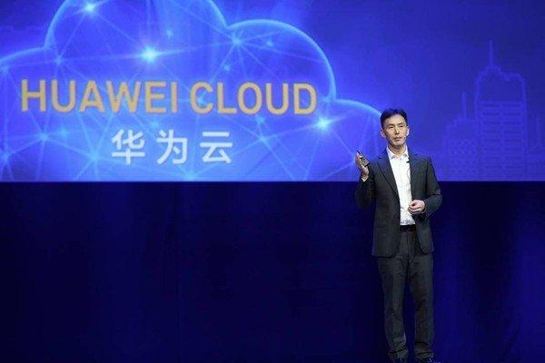 Huawei развивает облачный бизнес, пока у него остается доступ к американским технологиям