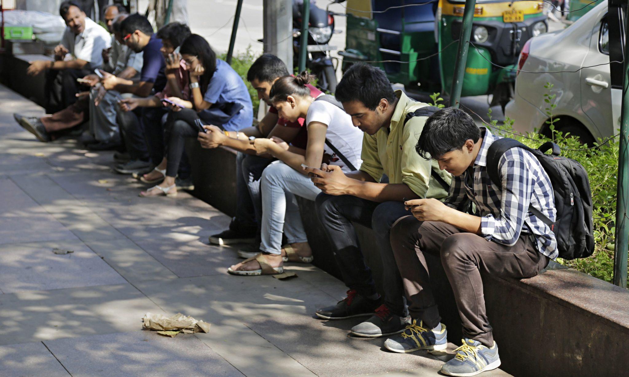 Индия изучает возможность запуска собственного магазина приложений