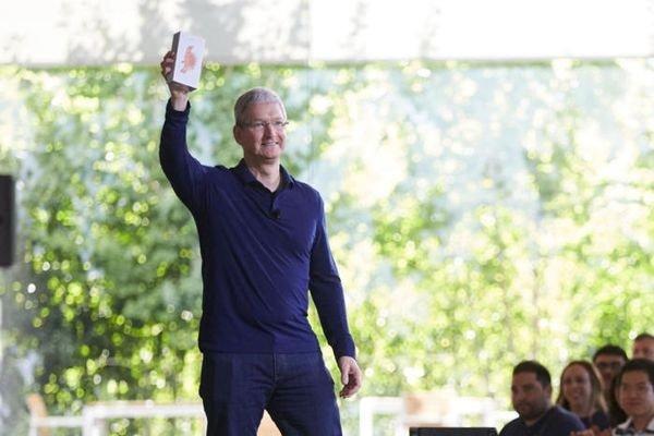 Apple и Samsung впервые получили штрафы за