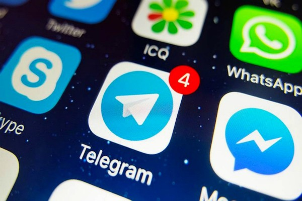 Крупнейшие мессенджерыобошли по популярности звонки по мобильнику