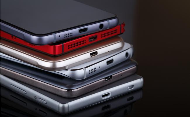 Рынок смартфонов покажет рекордный рост поитогам года