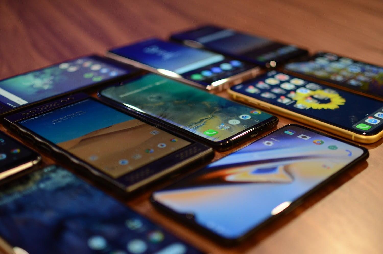 Импорт мобильных телефонов в Россию в 2020 г. снизился на 10%