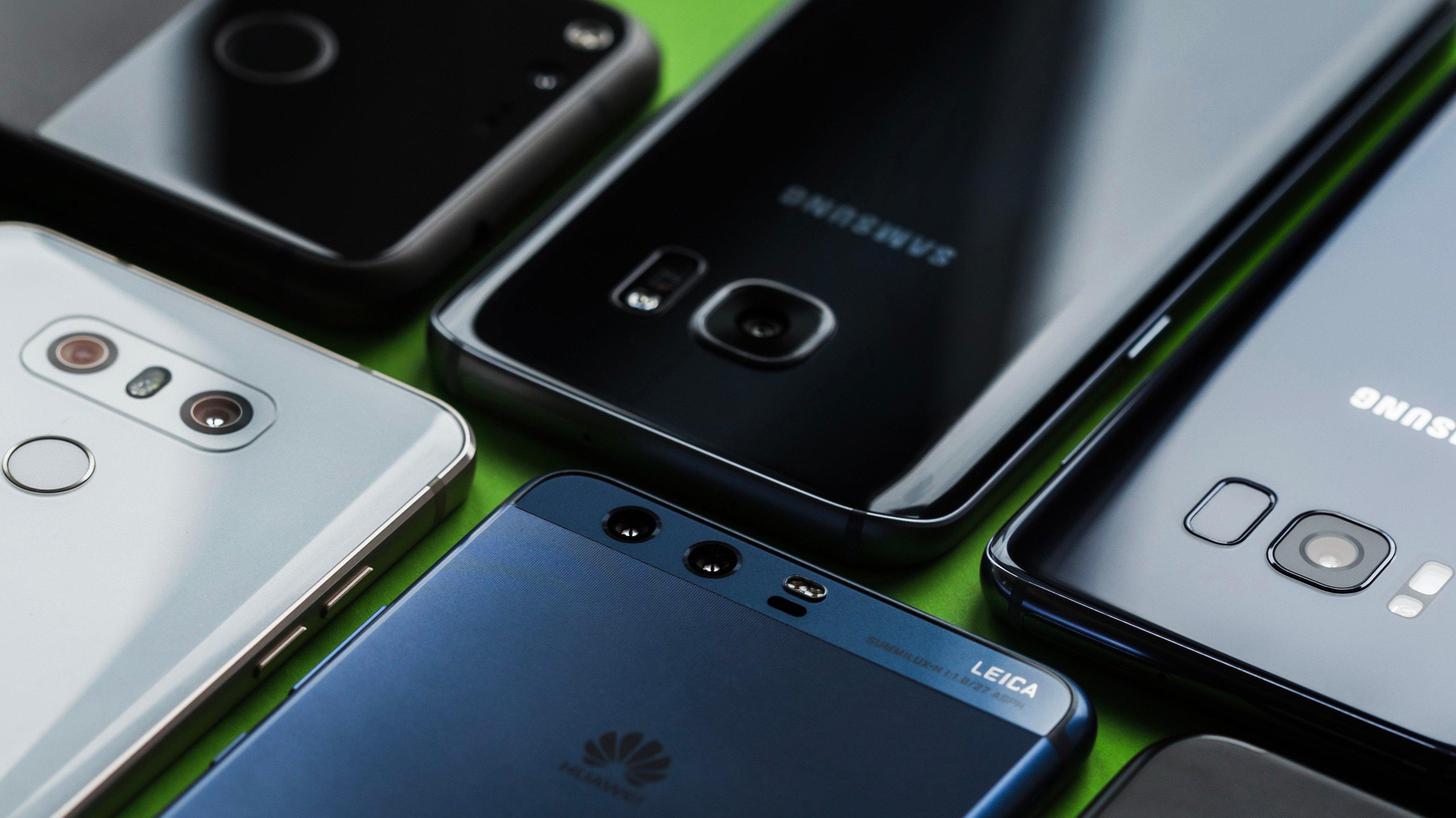 В России в прошлом году было продано 30 миллионов смартфонов