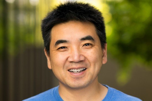 Эрик Юань подарил 40% своих акций Zoom. Кому — неизвестно