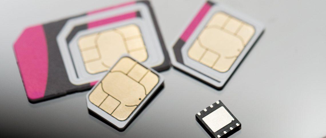 Крупнейшие мобильные операторы России и ФСБ против eSim